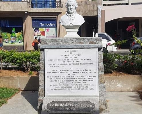 Statue de Pierre Poivre